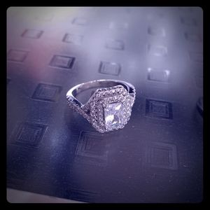 Jewelry - Charmed aroma silver ring size 6